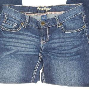 Amethyst jeans size 5 28 inseam lowrise skinny fit